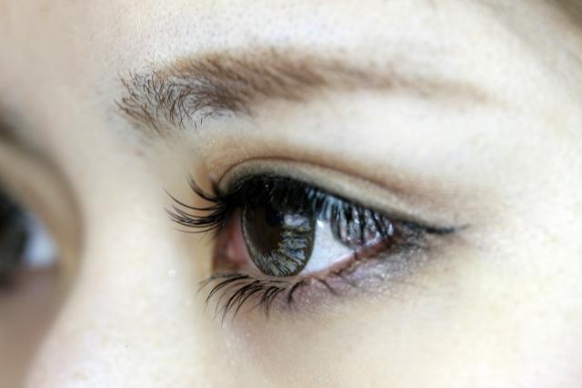 カラコンの使用で失明リスクを高める危険な7つのNG行動